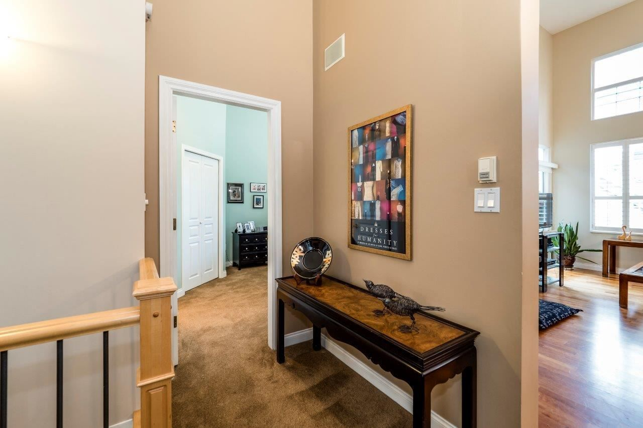 """Photo 4: Photos: 201 1465 PARKWAY Boulevard in Coquitlam: Westwood Plateau Townhouse for sale in """"SILVER OAK"""" : MLS®# R2249659"""