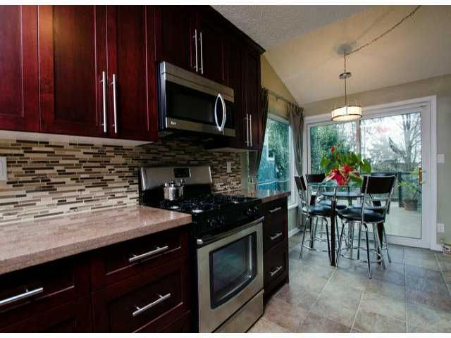 """Photo 5: Photos: 10470 SANTA MONICA Drive in Delta: Nordel House for sale in """"CANTERBURY HEIGHTS"""" (N. Delta)  : MLS®# F1405852"""