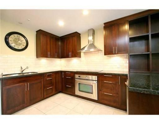 Main Photo: # 104 293 SMITHE ST in Vancouver: Condo for sale : MLS®# V874171