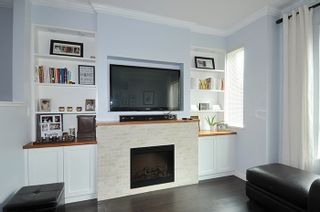"""Photo 3: 32 1295 SOBALL Street in Coquitlam: Burke Mountain Townhouse for sale in """"TYNERIDGE"""" : MLS®# R2159792"""