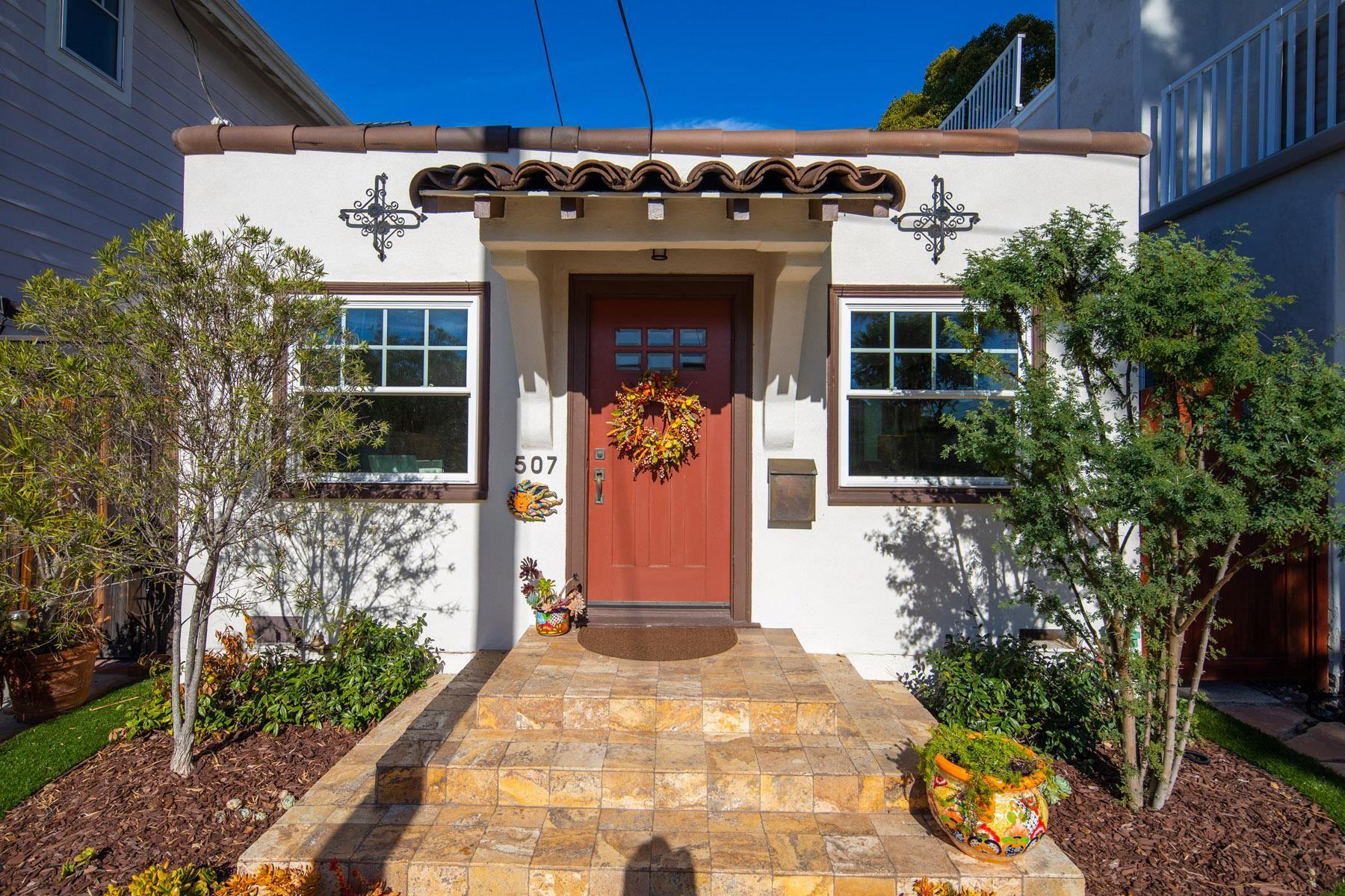 Main Photo: CORONADO VILLAGE House for sale : 1 bedrooms : 507 7th Street in Coronado