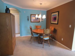 Photo 3: 302 5568 201A Street in Langley: Langley City Condo for sale : MLS®# R2140790