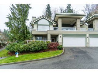 """Photo 1: 87 4001 OLD CLAYBURN Road in Abbotsford: Abbotsford East Townhouse for sale in """"Cedar Springs"""" : MLS®# R2419759"""