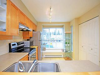 """Photo 11: 26 288 ST DAVIDS Avenue in North Vancouver: Lower Lonsdale Townhouse for sale in """"ST DAVID'S LANDING"""" : MLS®# V1041759"""