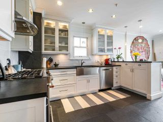 Photo 10: 2555 OXFORD Street in Vancouver: Hastings Sunrise House for sale (Vancouver East)  : MLS®# R2556739
