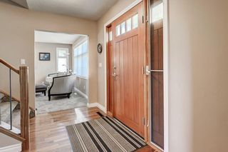 Photo 3: 5631 LODGE Crescent SW in Calgary: Lakeview Detached for sale : MLS®# C4261500
