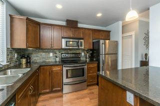 """Photo 3: 110 33338 MAYFAIR Avenue in Abbotsford: Central Abbotsford Condo for sale in """"The Sterling"""" : MLS®# R2172871"""