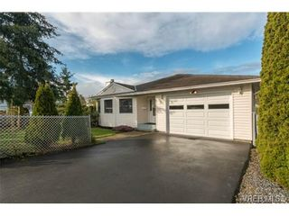 Photo 2: 21 6766 Central Saanich Rd in VICTORIA: CS Keating House for sale (Central Saanich)  : MLS®# 697115