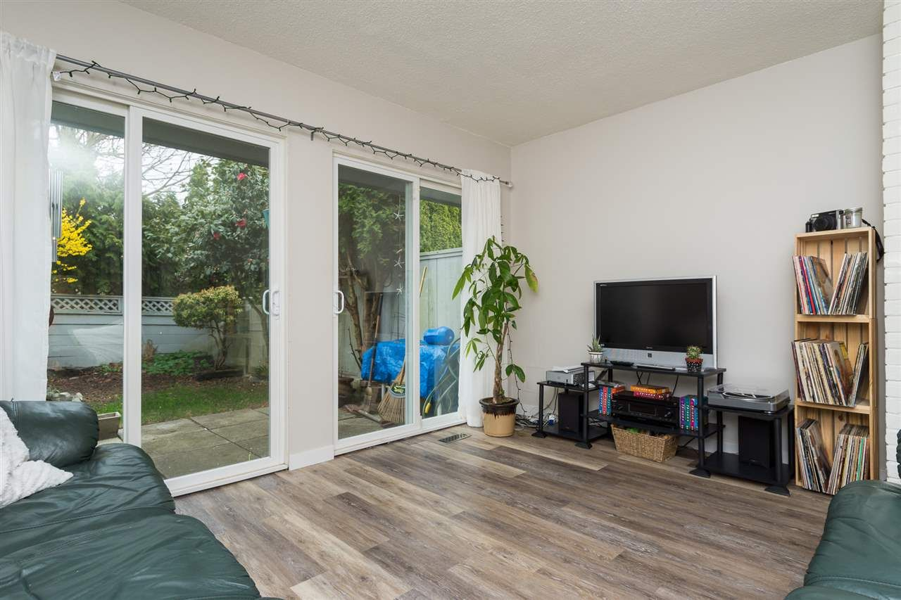 Main Photo: 18 3031 WILLIAMS ROAD in Richmond: Seafair Townhouse for sale : MLS®# R2152876
