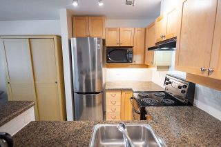 """Photo 14: 408 997 W 22ND Avenue in Vancouver: Cambie Condo for sale in """"THE CRESCENT IN SHAUGHNESSY"""" (Vancouver West)  : MLS®# R2585378"""