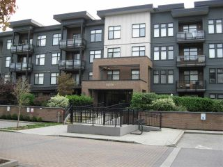 "Photo 3: 301 20078 FRASER Highway in Langley: Langley City Condo for sale in ""Varsity"" : MLS®# R2510892"