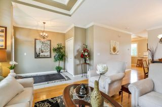 """Photo 2: 7 6177 169 Street in Surrey: Cloverdale BC Townhouse for sale in """"NORTHVIEW WALK"""" (Cloverdale)  : MLS®# R2256305"""