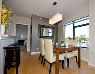 Photo 3: 502 2228 Marstrand Avenue in Solo: Home for sale
