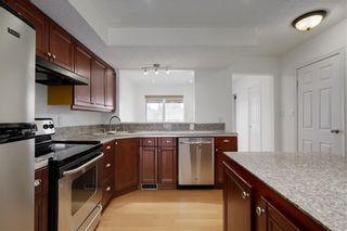 Photo 9: 3115 43 Street SW in Calgary: Glenbrook Detached for sale : MLS®# C4222106