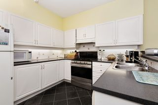 """Photo 8: 17 221 ASH Street in New Westminster: Uptown NW Townhouse for sale in """"PENNY LANE"""" : MLS®# R2531968"""