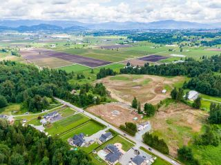 Photo 3: 31050 HARRIS Road in Abbotsford: Bradner House for sale : MLS®# R2588526
