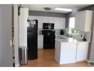 """Photo 1: 13 9045 WALNUT GROVE Drive in Langley: Walnut Grove Townhouse for sale in """"BRIDLEWOODS"""" : MLS®# F1412289"""