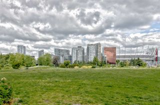 """Photo 20: 203 181 W 1ST Avenue in Vancouver: False Creek Condo for sale in """"BROOK - VILLAGE ON FALSE CREEK"""" (Vancouver West)  : MLS®# R2504203"""
