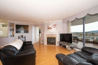 """Photo 1: 1303 4425 HALIFAX Street in Burnaby: Brentwood Park Condo for sale in """"POLARIS"""" (Burnaby North)  : MLS®# R2444632"""