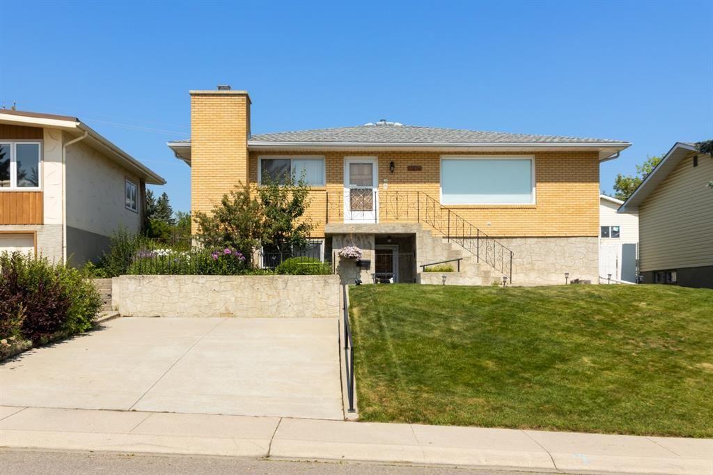 Main Photo: 7420 Hunterburn Hill NW in Calgary: Huntington Hills Detached for sale : MLS®# A1123049