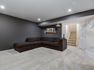 Photo 38: 92 WENTWORTH Circle SW in Calgary: West Springs Detached for sale : MLS®# C4270253