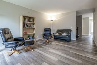 Photo 9: 24 Coachway Green SW in Calgary: Coach Hill Row/Townhouse for sale : MLS®# A1104483