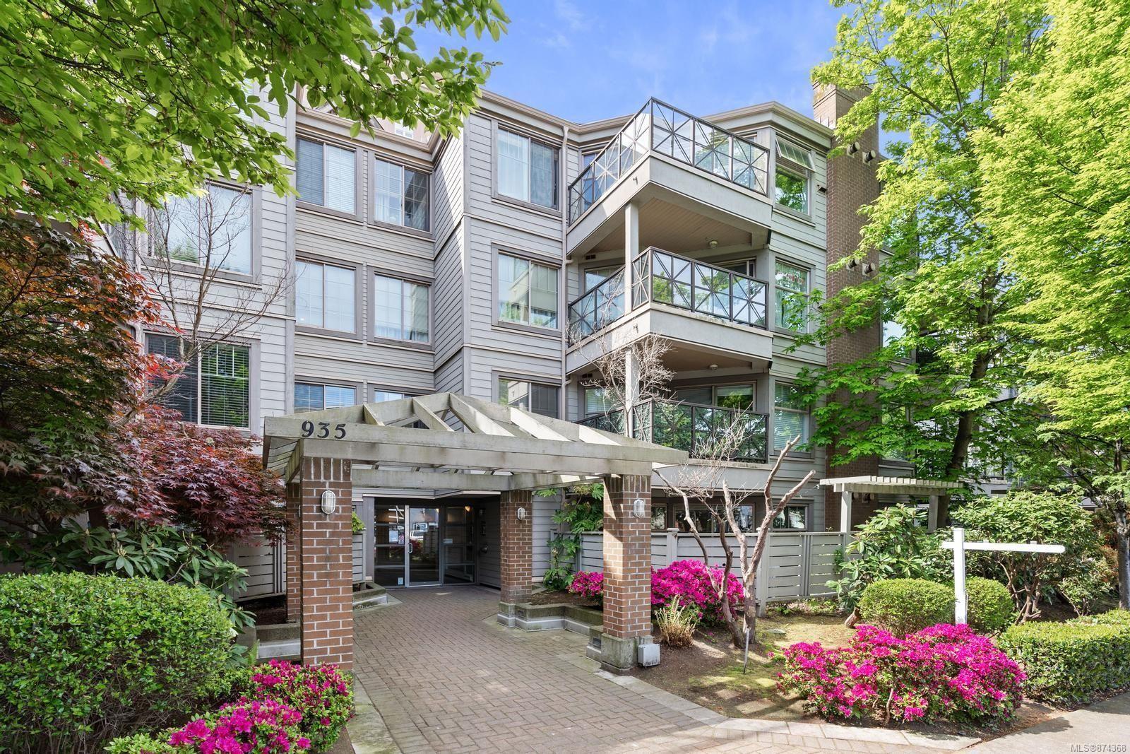 Main Photo: 205 935 Johnson St in : Vi Downtown Condo for sale (Victoria)  : MLS®# 874368