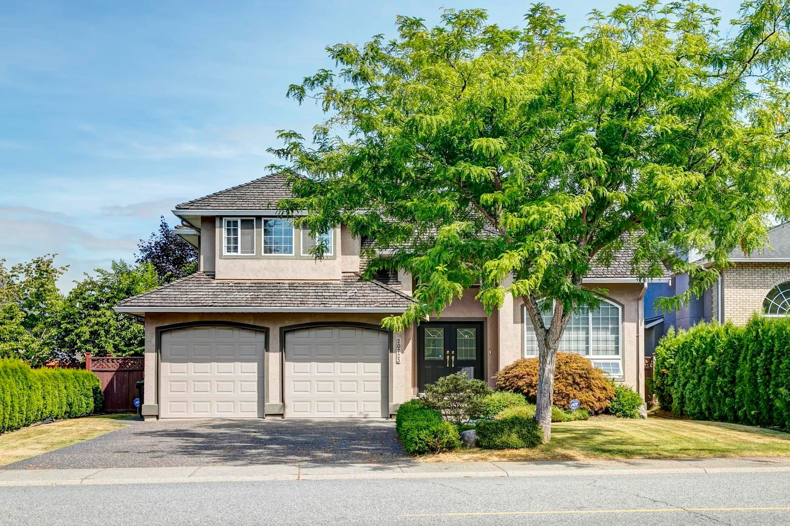 """Main Photo: 20723 90A Avenue in Langley: Walnut Grove House for sale in """"Greenwood Estate"""" : MLS®# R2609766"""