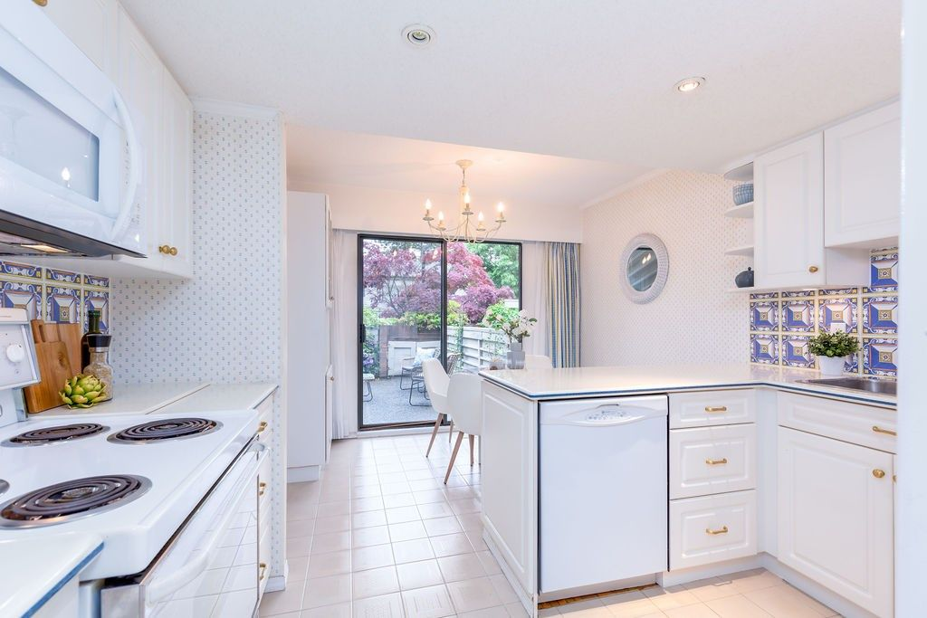 Photo 2: Photos: 2159 MCMULLEN Avenue in Vancouver: Quilchena Townhouse for sale (Vancouver West)  : MLS®# R2455599