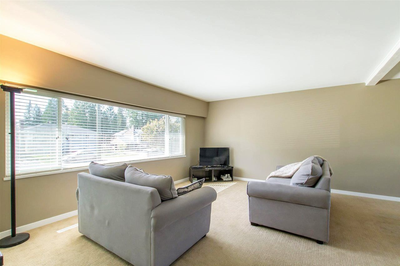Photo 5: Photos: 819 RONDEAU Street in Coquitlam: Harbour Place House for sale : MLS®# R2375447
