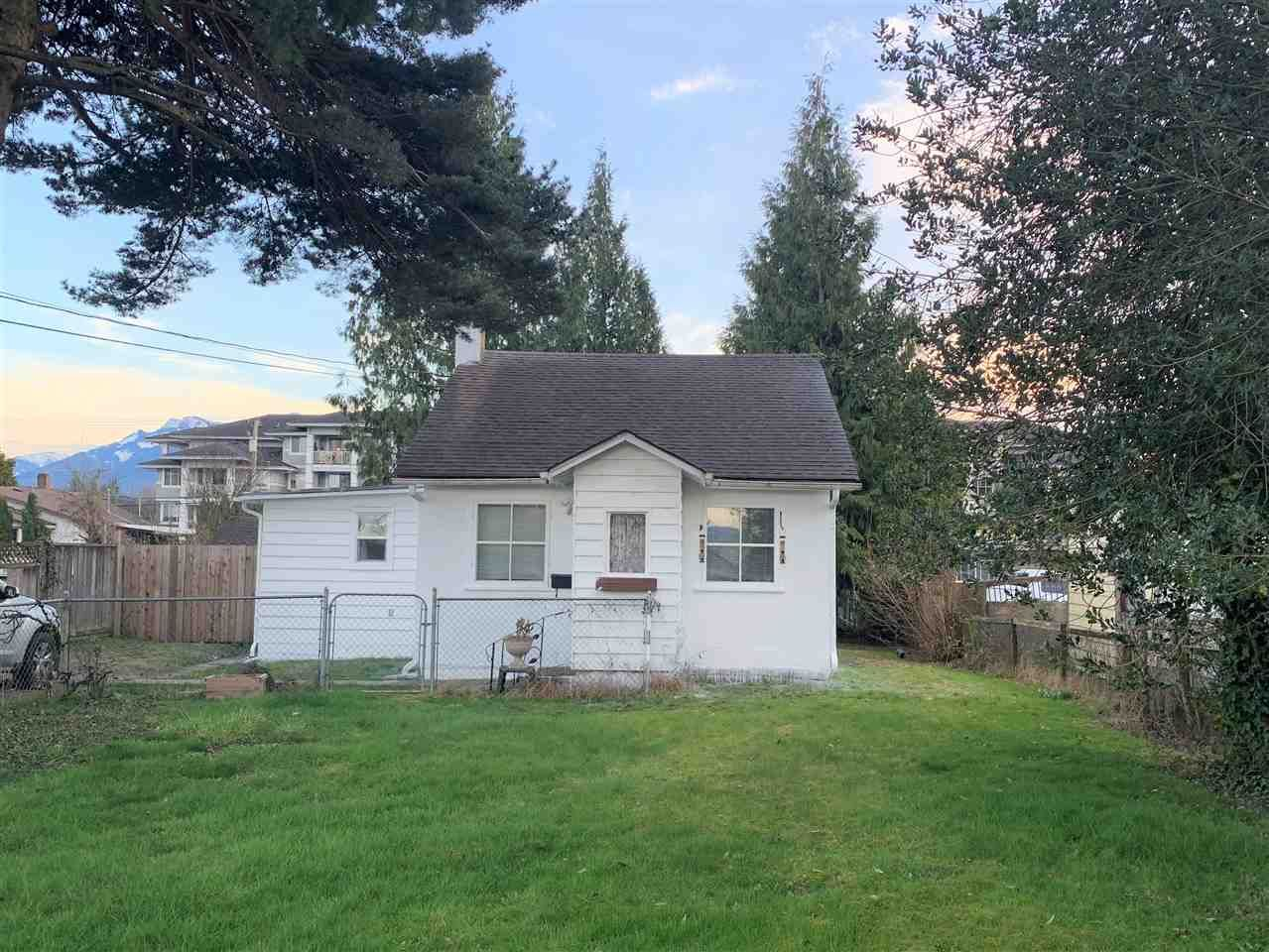 Main Photo: 46272 GORE Avenue in Chilliwack: Chilliwack E Young-Yale House for sale : MLS®# R2559013