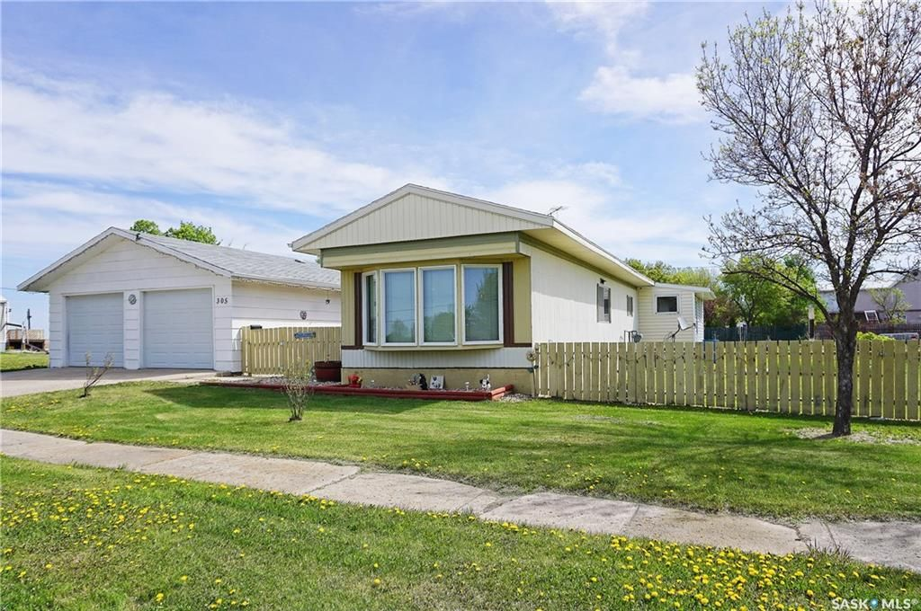 Main Photo: 305 2nd Street West in Milden: Residential for sale : MLS®# SK849214