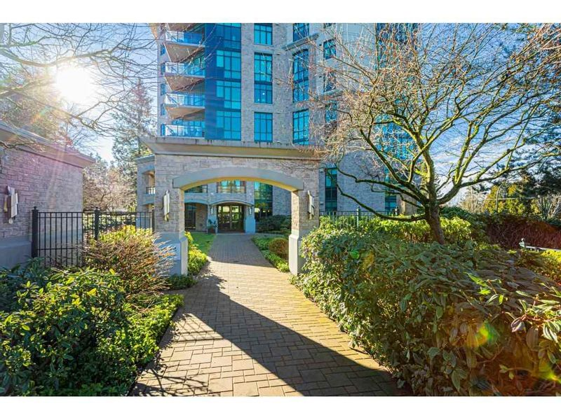 FEATURED LISTING: 304 - 14824 NORTH BLUFF Road White Rock