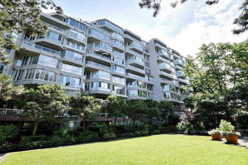 FEATURED LISTING: 606 - 518 MOBERLY Road Vancouver