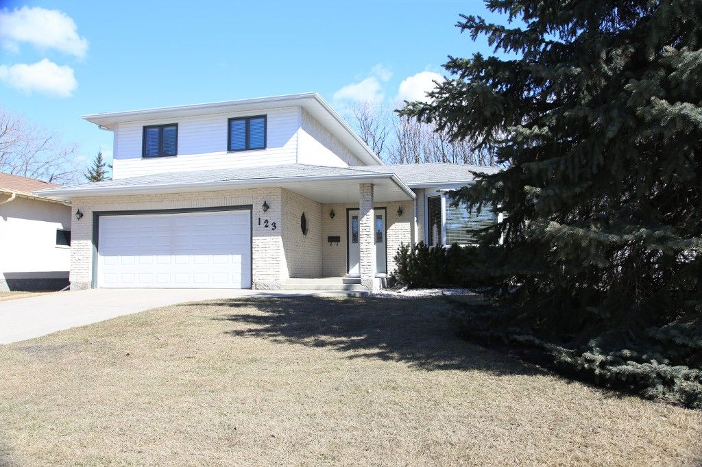 Photo 37: Photos: 123 Hunterspoint Road in Winnipeg: Charleswood Single Family Detached for sale (1G)  : MLS®# 1707500