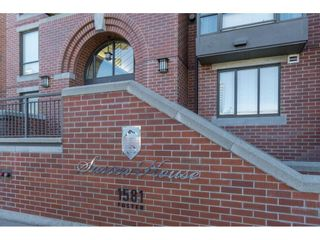 """Photo 2: 403 1581 FOSTER Street: White Rock Condo for sale in """"SUSSEX HOUSE"""" (South Surrey White Rock)  : MLS®# R2474580"""