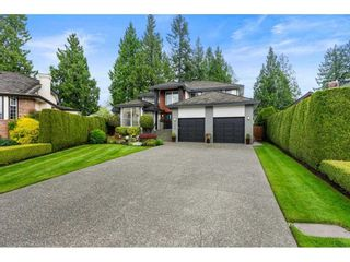 """Photo 2: 10486 SUMAC Place in Surrey: Fraser Heights House for sale in """"Glenwood Estates"""" (North Surrey)  : MLS®# R2579473"""