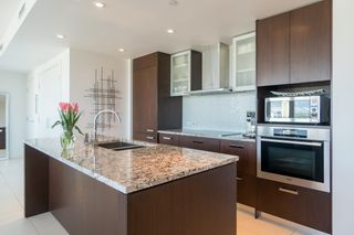 """Photo 2: 2205 1028 BARCLAY Street in Vancouver: West End VW Condo for sale in """"PATINA"""" (Vancouver West)  : MLS®# R2268183"""