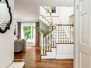 Photo 4: Gorgeous Home on Deepwood Cres.