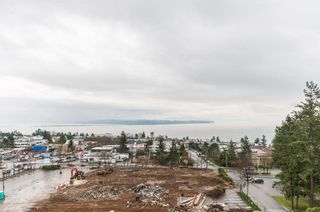 Photo 2: 801 15152 RUSSELL AVENUE: White Rock Condo for sale (South Surrey White Rock)  : MLS®# R2241092