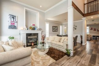 """Photo 3: 14777 67A Avenue in Surrey: East Newton House for sale in """"EAST NEWTON"""" : MLS®# R2472280"""