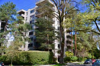 """Photo 1: 302 1685 W 14TH Avenue in Vancouver: Fairview VW Condo for sale in """"TOWN VILLA"""" (Vancouver West)  : MLS®# R2359239"""