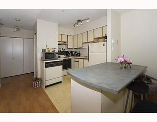 """Photo 4: 105 921 THURLOW Street in Vancouver: West End VW Condo for sale in """"KRISTOFF PLACE"""" (Vancouver West)  : MLS®# V774226"""