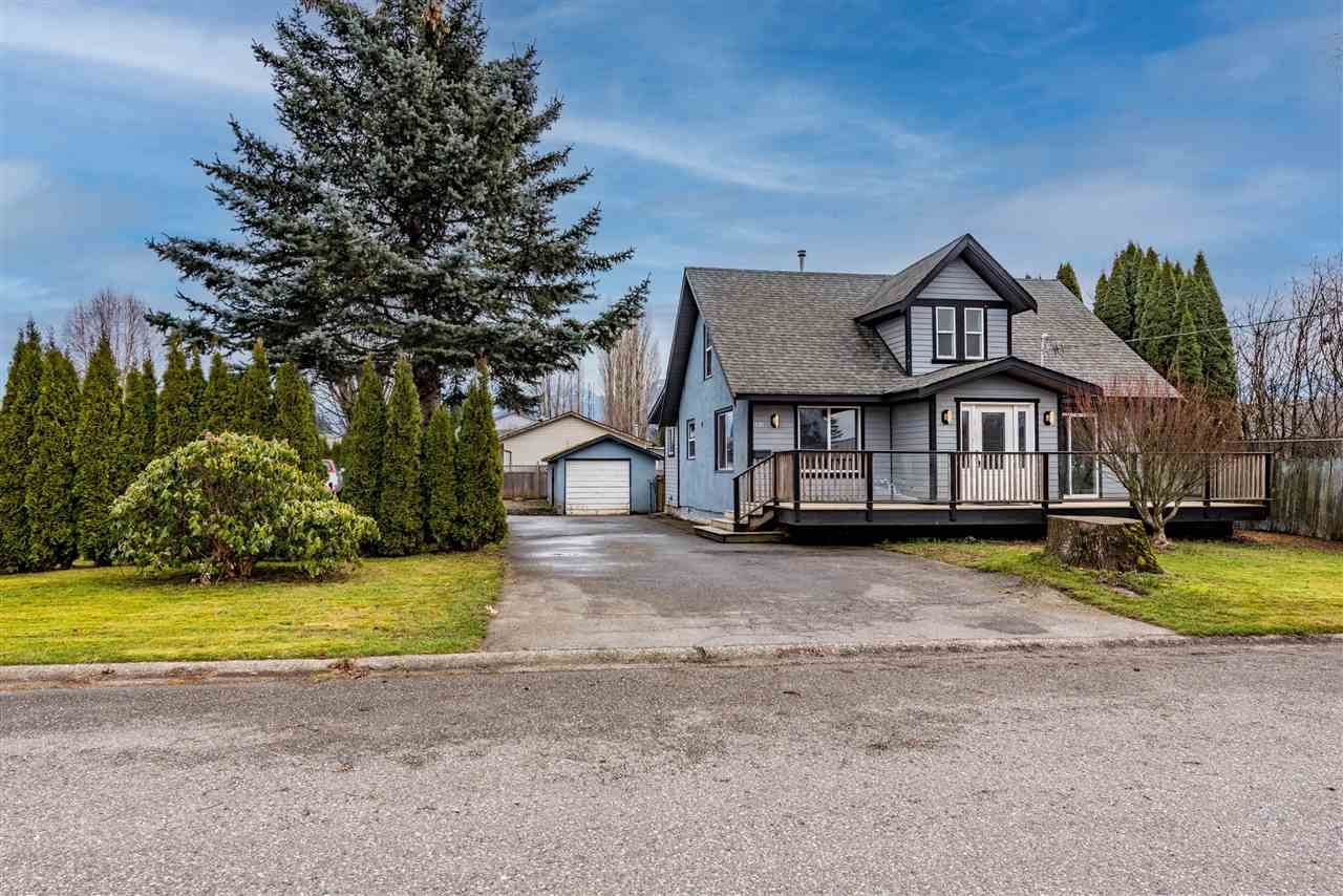 Main Photo: 8966 CHARLES Street in Chilliwack: Chilliwack E Young-Yale House for sale : MLS®# R2543711