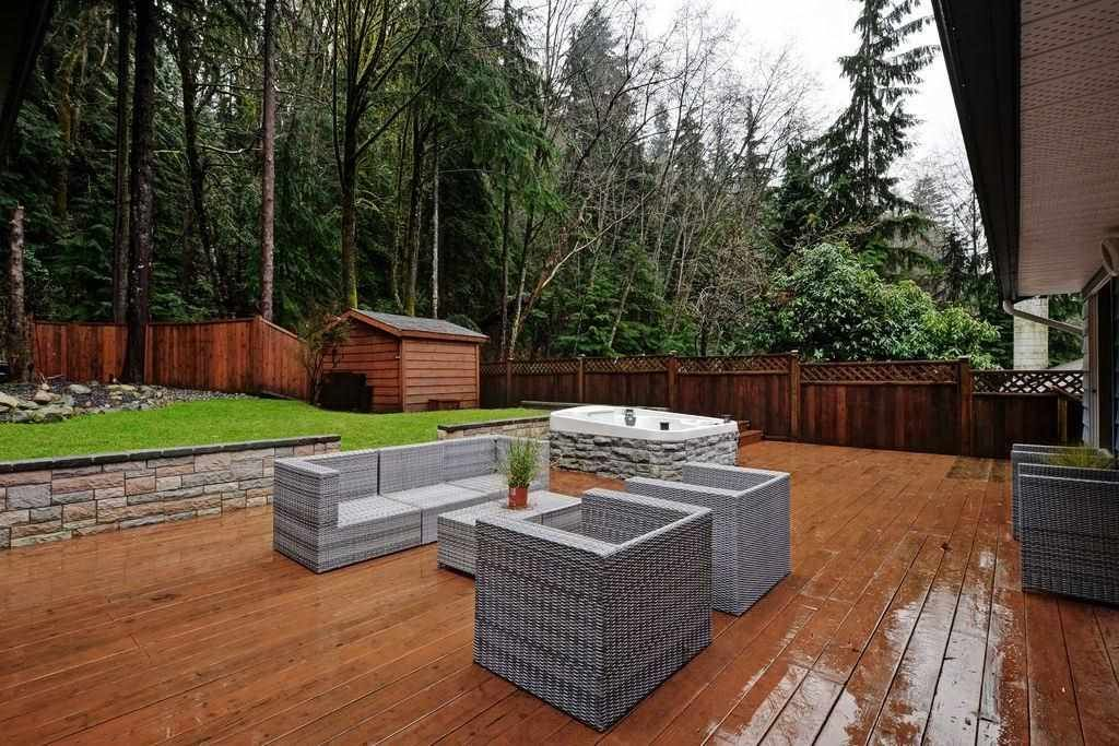 """Photo 13: Photos: 2354 TREETOP Lane in North Vancouver: Seymour NV House for sale in """"SEYMOUR"""" : MLS®# R2019971"""