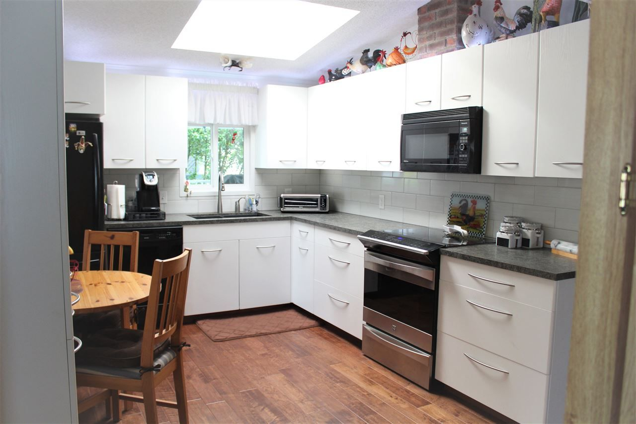 """Photo 8: Photos: 148 145 KING EDWARD Street in Coquitlam: Maillardville Manufactured Home for sale in """"MILL CREEK VILLAGE"""" : MLS®# R2509458"""
