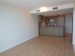 """Photo 3: 1805 125 E 14TH Street in North Vancouver: Central Lonsdale Condo for sale in """"Centreview Tower B"""" : MLS®# R2364010"""
