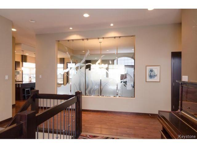 Photo 7: Photos:  in ESTPAUL: Birdshill Area Residential for sale (North East Winnipeg)  : MLS®# 1409442