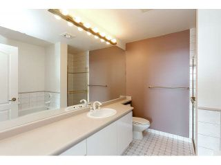 """Photo 14: 1601 6888 STATION HILL Drive in Burnaby: South Slope Condo for sale in """"SAVOY CARLTON"""" (Burnaby South)  : MLS®# V1130618"""