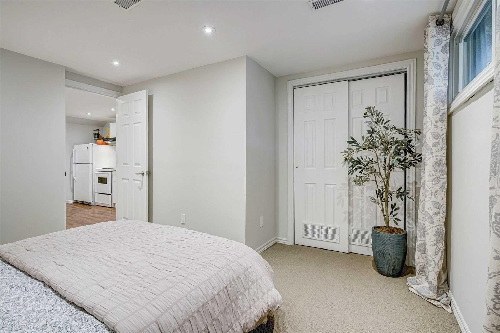 Photo 28: Photos: 92 Holborne Avenue in Toronto: Danforth Village-East York House (2-Storey) for sale (Toronto E03)  : MLS®# E5204452